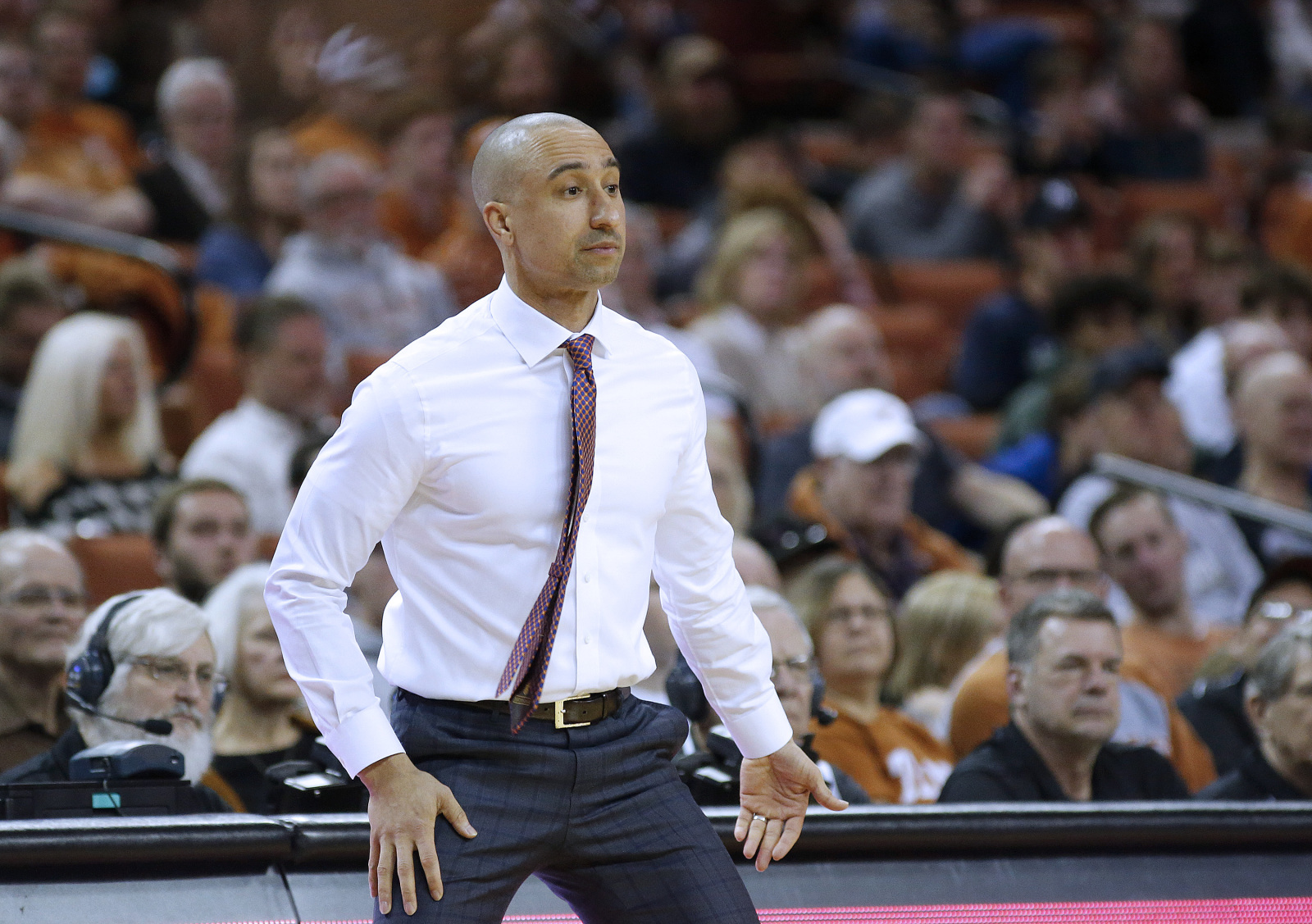 Texas Basketball: 3 reasons keeping Shaka Smart is the wrong move