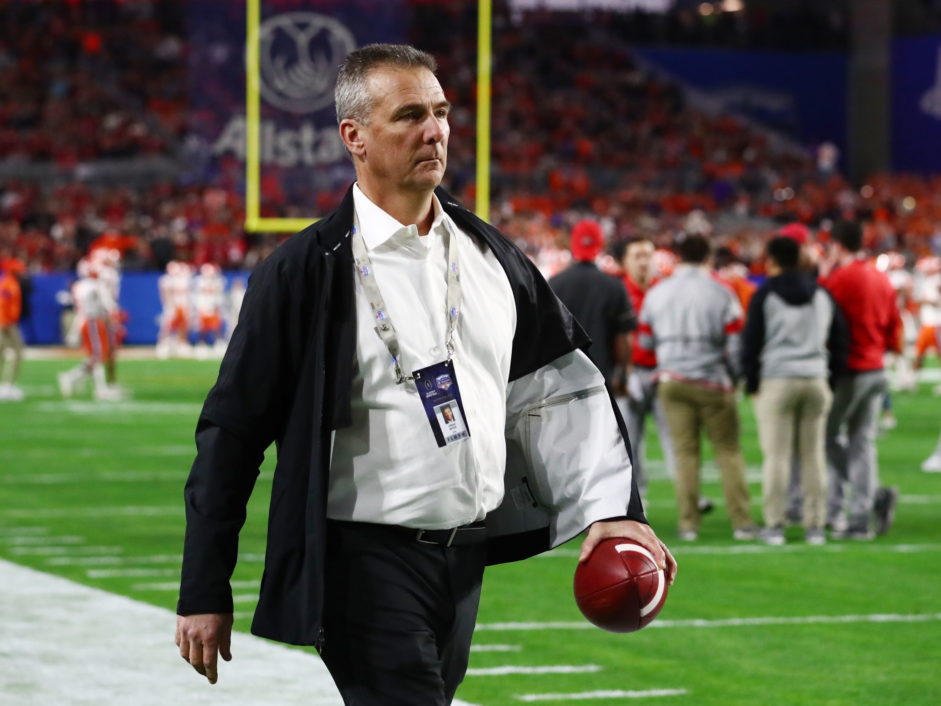 Should Texas Football Roll Out The Red Carpet For Urban Meyer